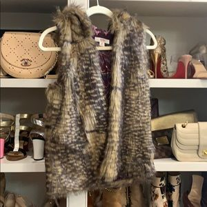 Mossimo fur vest small